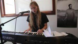 Aprender a tocar un instrumento - Tocar piano - aprender piano
