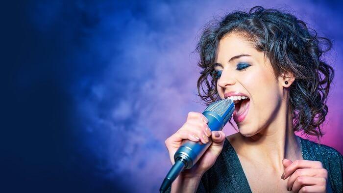 cuerdas vocales falsas